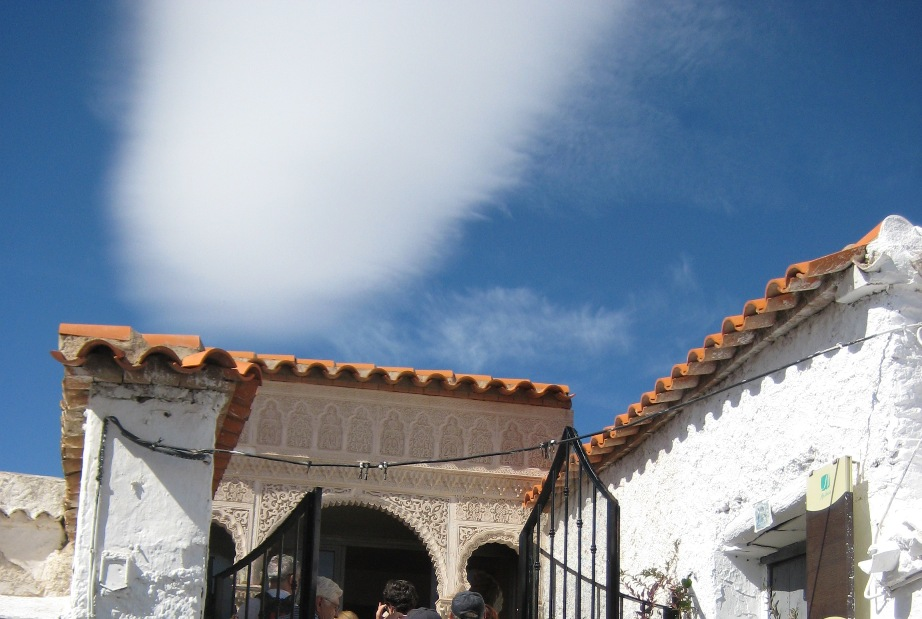 Subiendo a la Alcazaba en Fiñana © Fotografía María Navarro