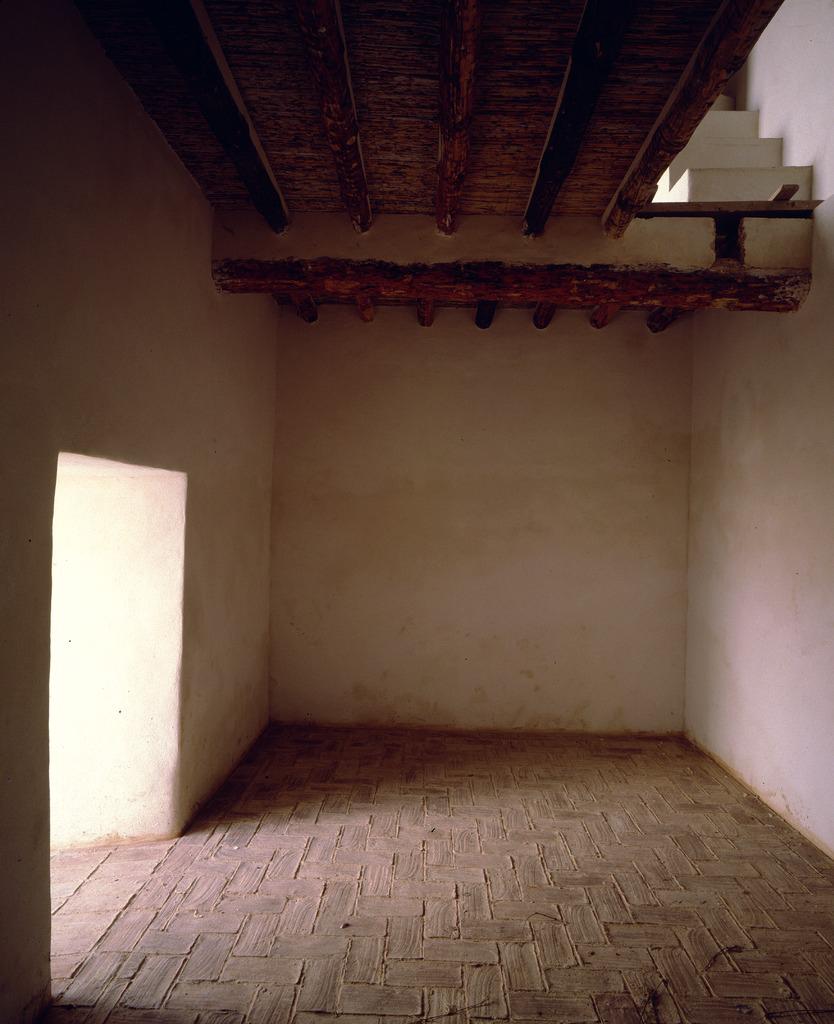 . Interior de una de las plantas de la torre, hoy convertida en Oficina Municipal de Turismo y Museo de Sitio