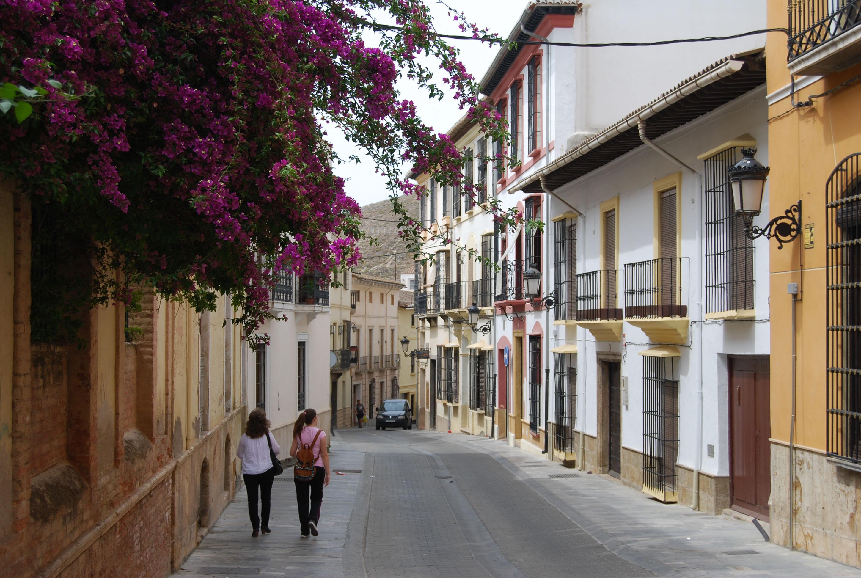 Vista general de la calle del Agua y sus viviendas tradicionales. © Fotografía Pako Manzano