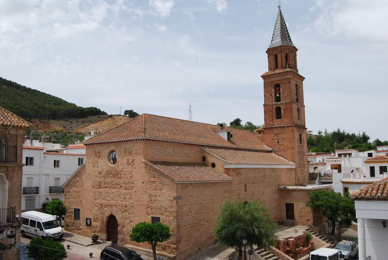 Vista general de la iglesia de San Andrés de Fondón. © Fotografía: Pako Manzano