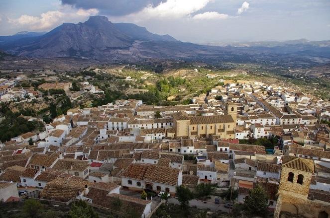 Vista general de Vélez Blanco desde el castillo © José Ángel Fernández