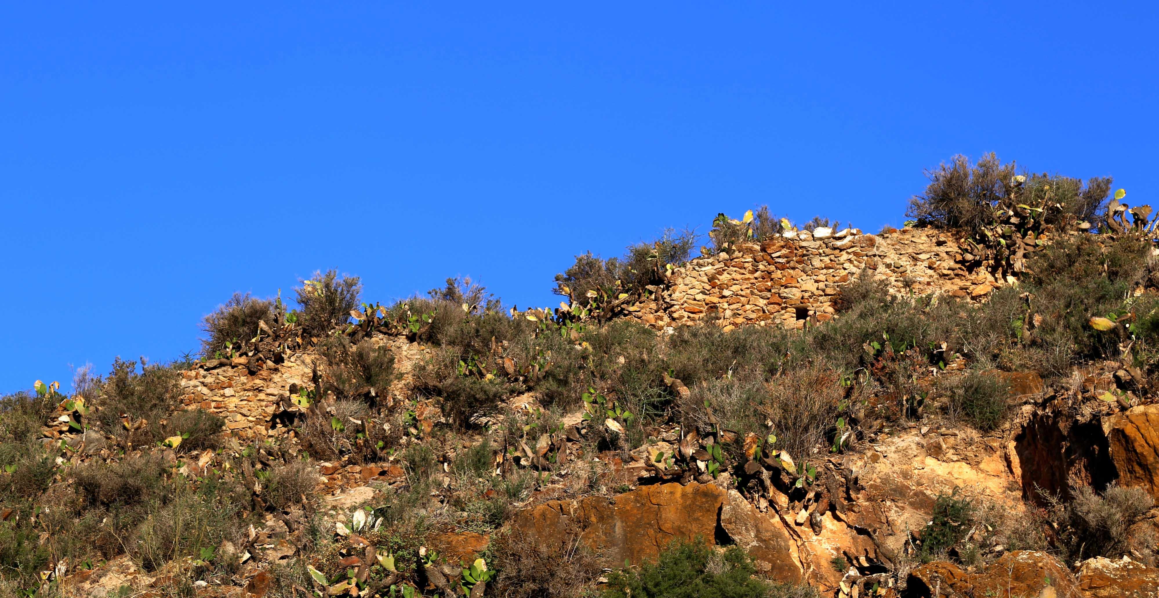 Lugar Viejo o Cantoria hispanomusulmana. Restos de murallas nazaríes. © Fotografía: Pako Manzano