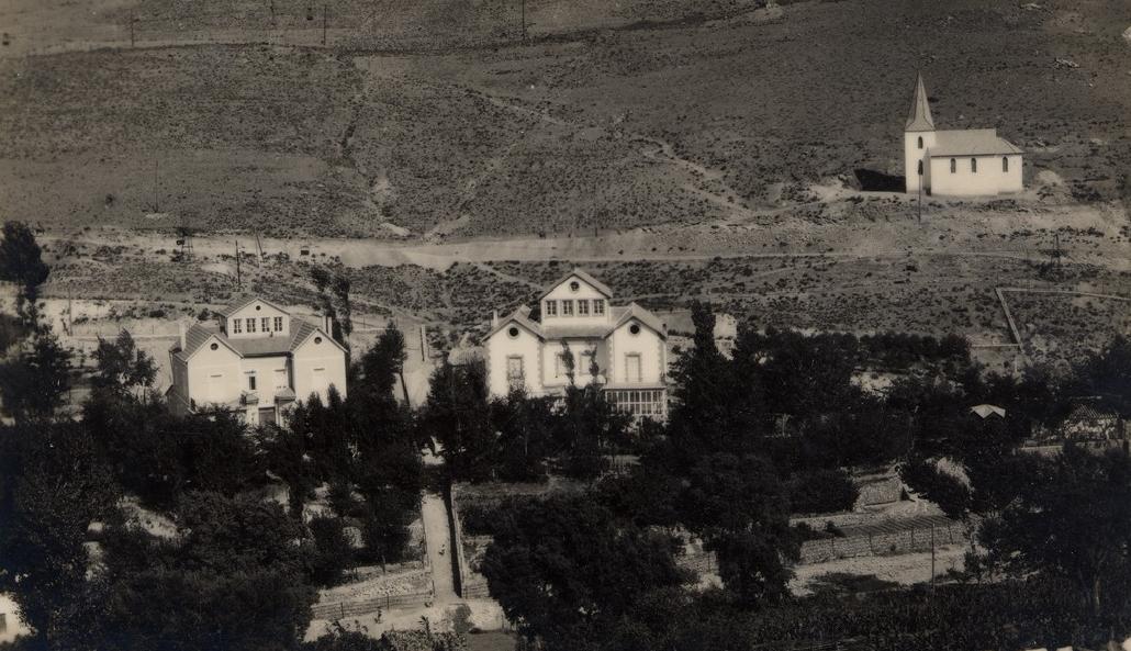 San Miguel, Ermita de Santa Bárbara y Casas de Dirección. Hacia 1920-1930. Colección Emilio Herrero Pérez