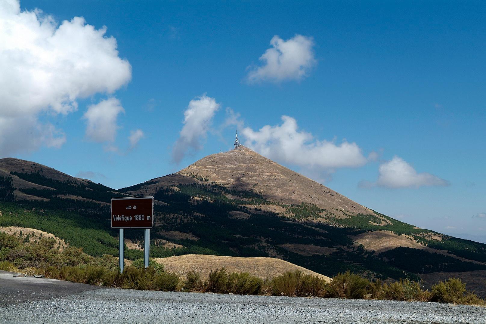 Tetica de Bacares, con su inconfundible silueta © Fotografía: Juan Antonio Muñoz