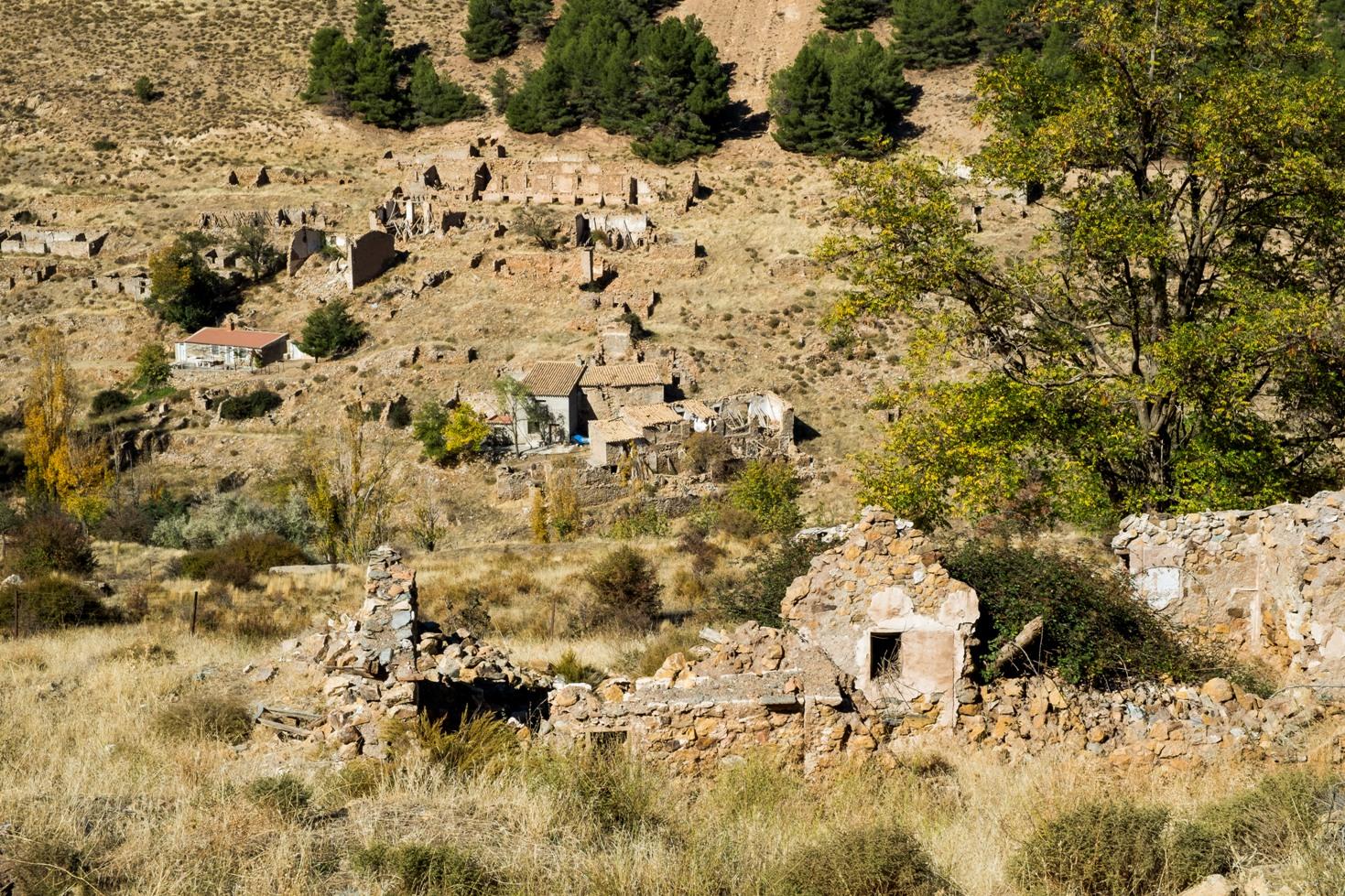 Ruinas del barrio obrero del poblado minero de Las Menas en Serón © Fotografía: Paco Bonilla