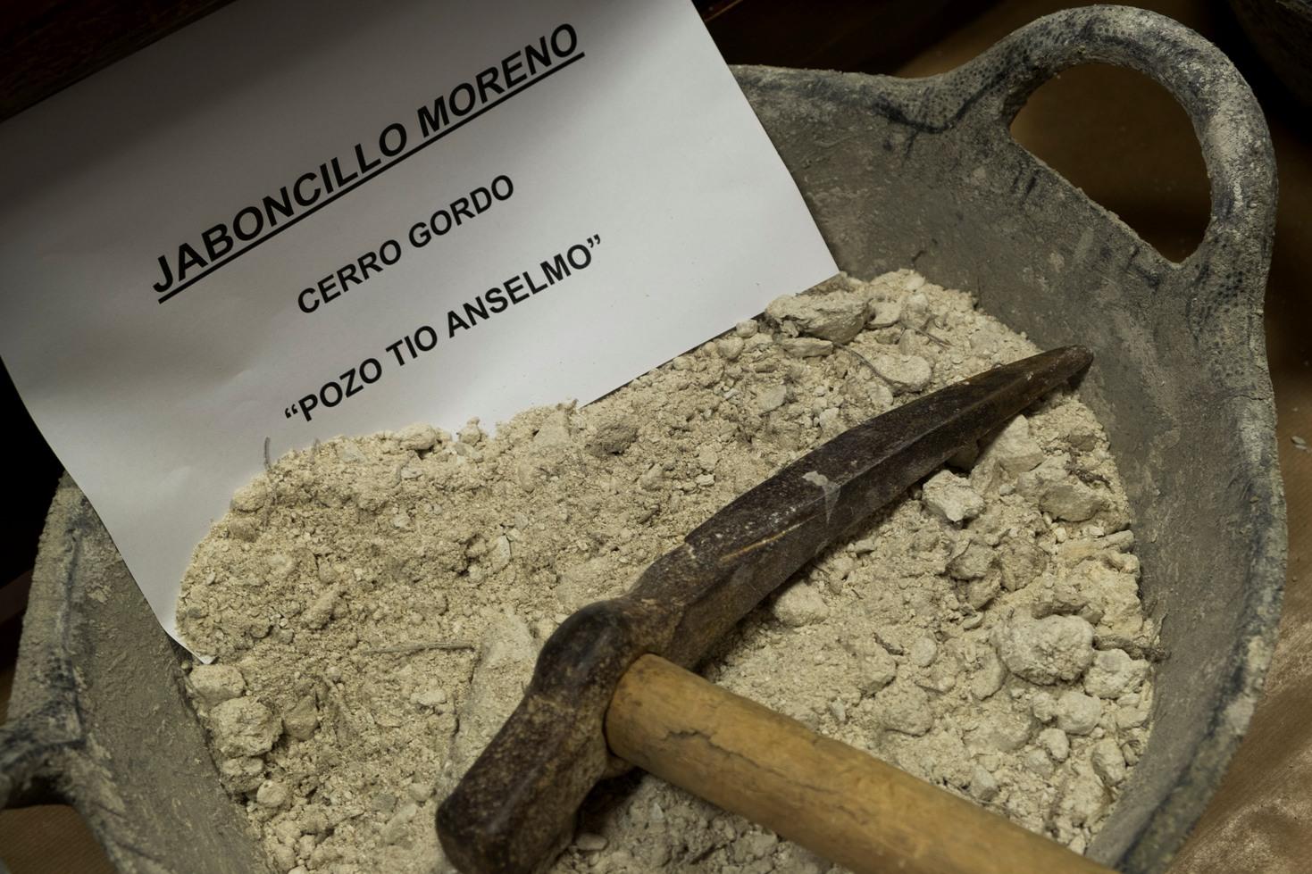Muestra de jaboncillo del Pozo Tío Anselmo en Somontín © Fotografía: Paco Bonilla