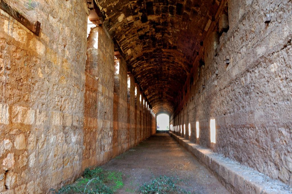 Interior del cargadero de hierro de Los Canos © Fotografía: Paco Bonilla