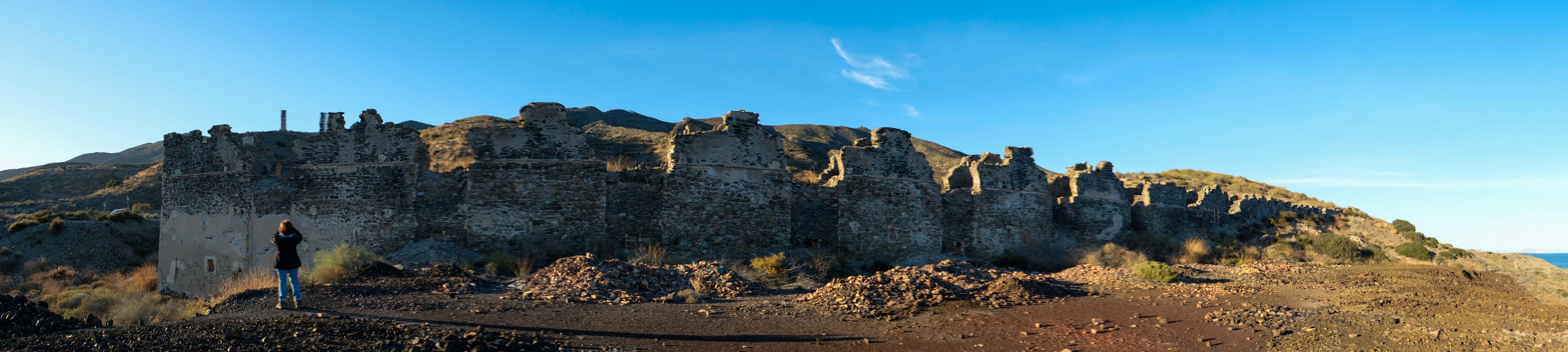 Antigua fundición de plomo y escombreras de hierro, cerca de Villaricos © Fotografía: Paco Bonilla