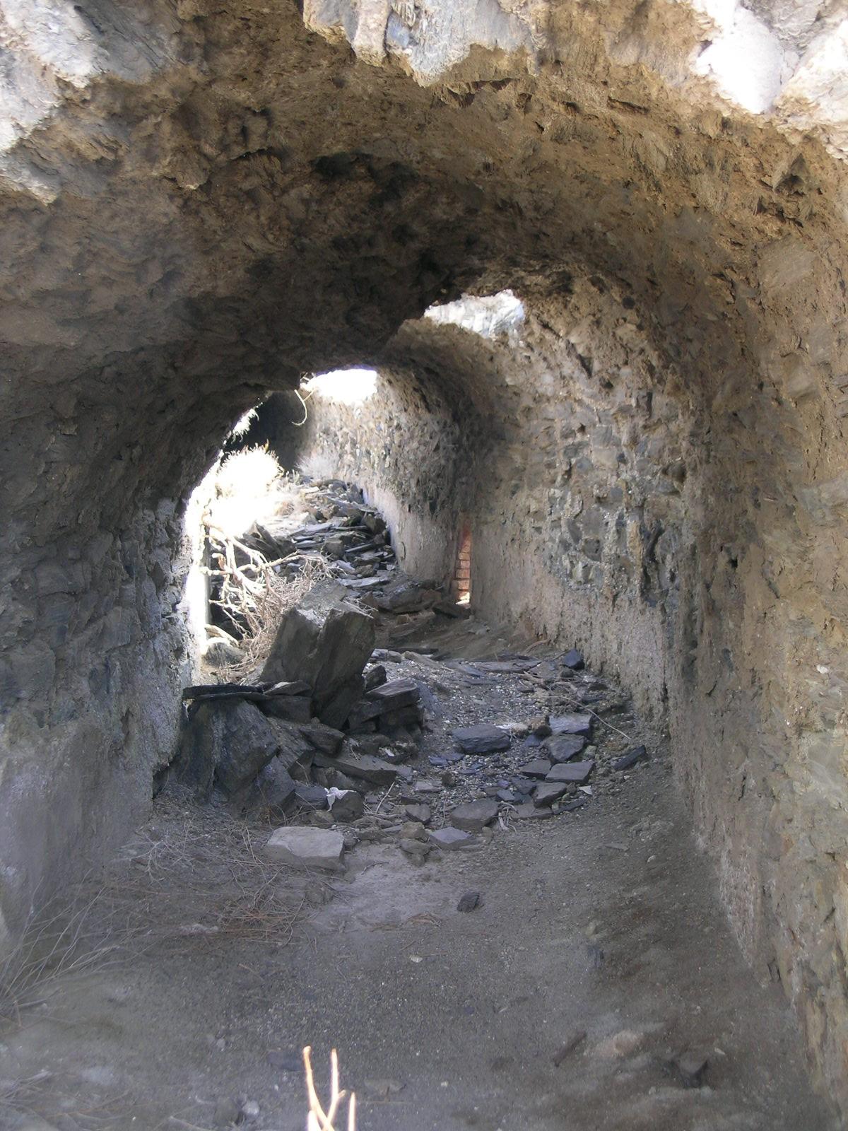 Interior de galería de condensación para salida de humos en la fundición de plomo Fábrica Nueva (Villaricos). © Fotografía: Alfonso Ruiz
