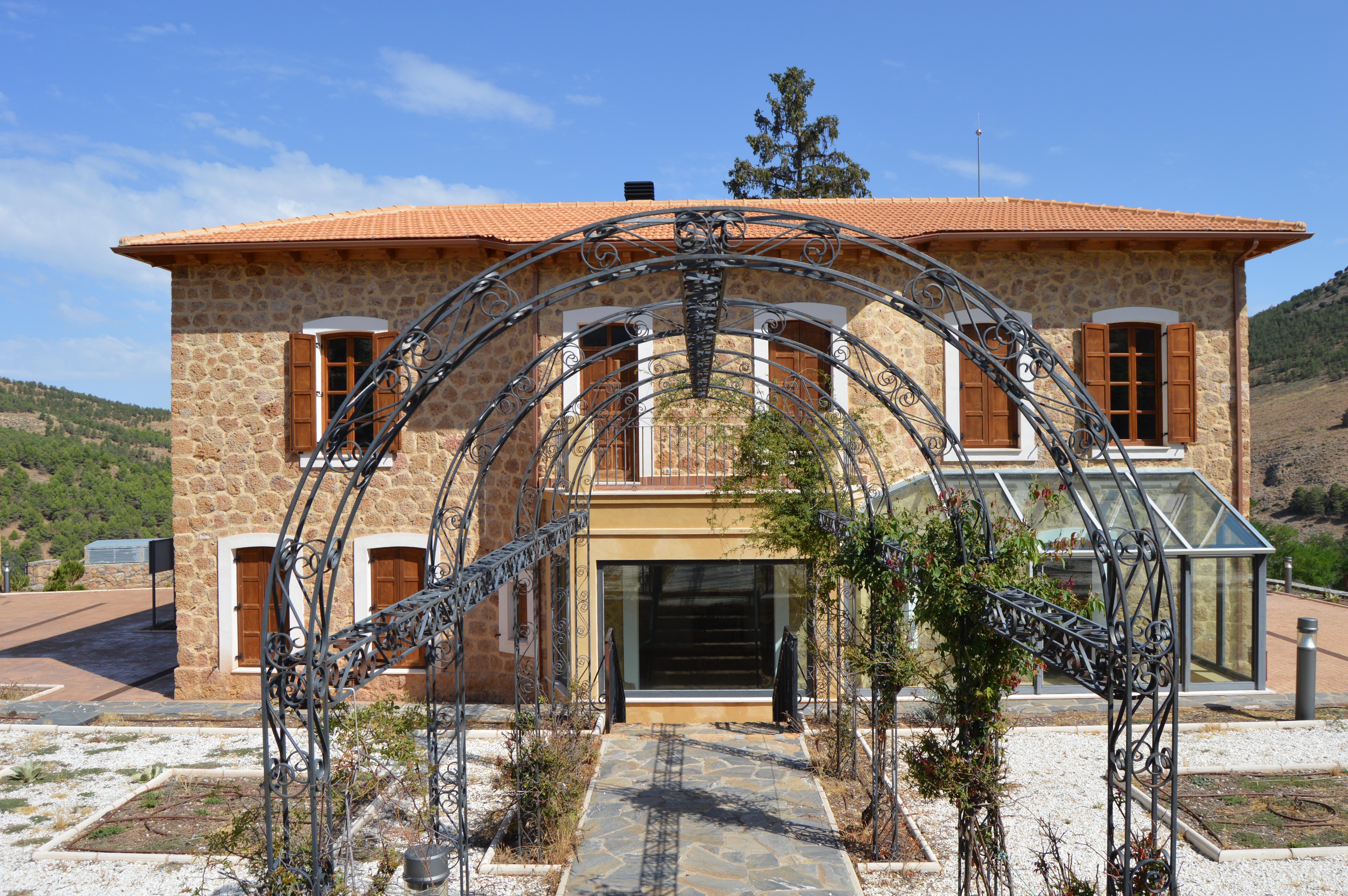 Antigua casa del ingeniero jefe en Las Menas (Serón), recientemente rehabilitada © Fotografía: Paco Bonilla