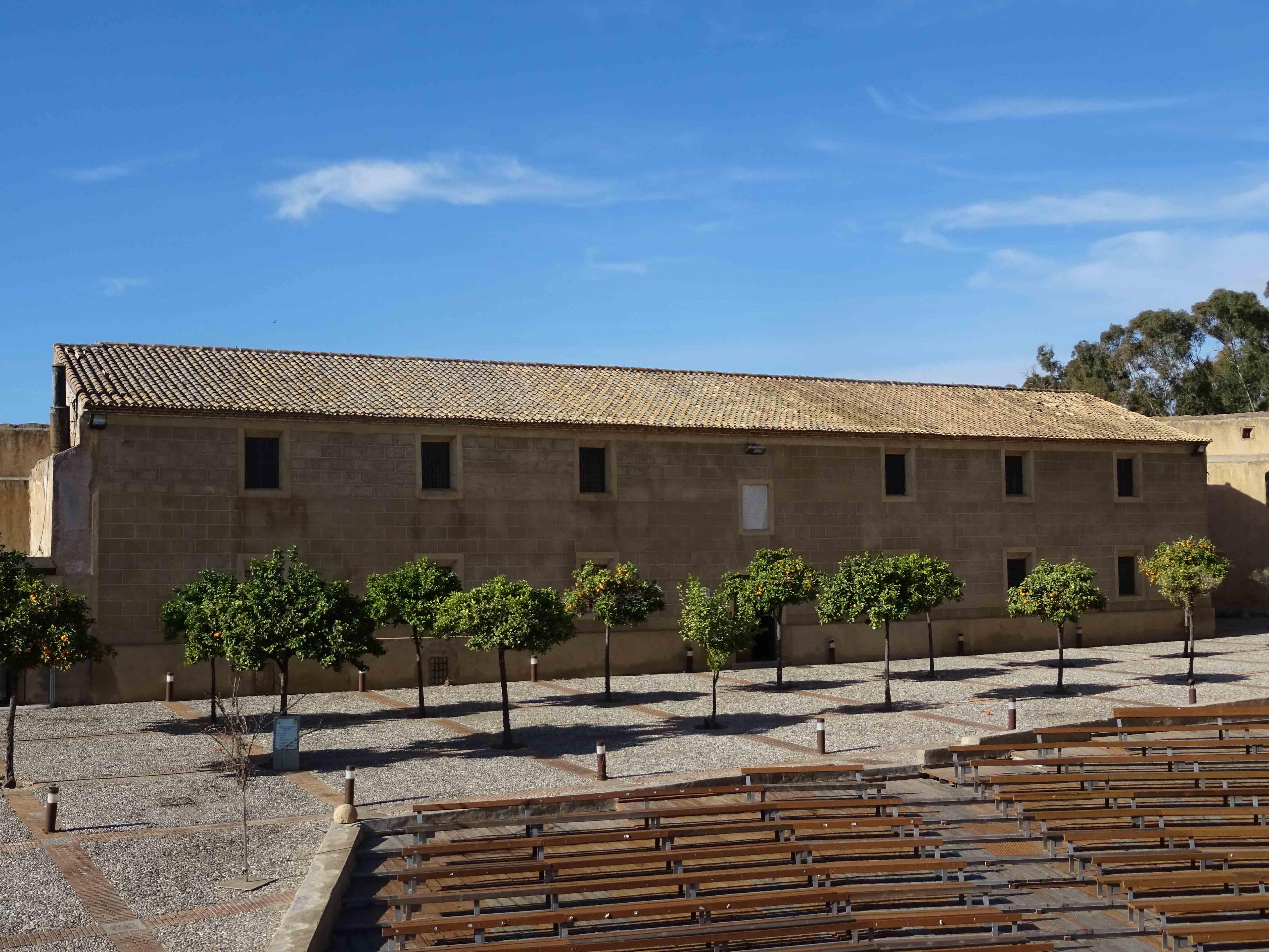 Edificio de la antigua tercia o almacén señorial de granos, hoy utilizado como Biblioteca, Archivo Municipal y Museo Histórico © Fotografía: Pedro Perales