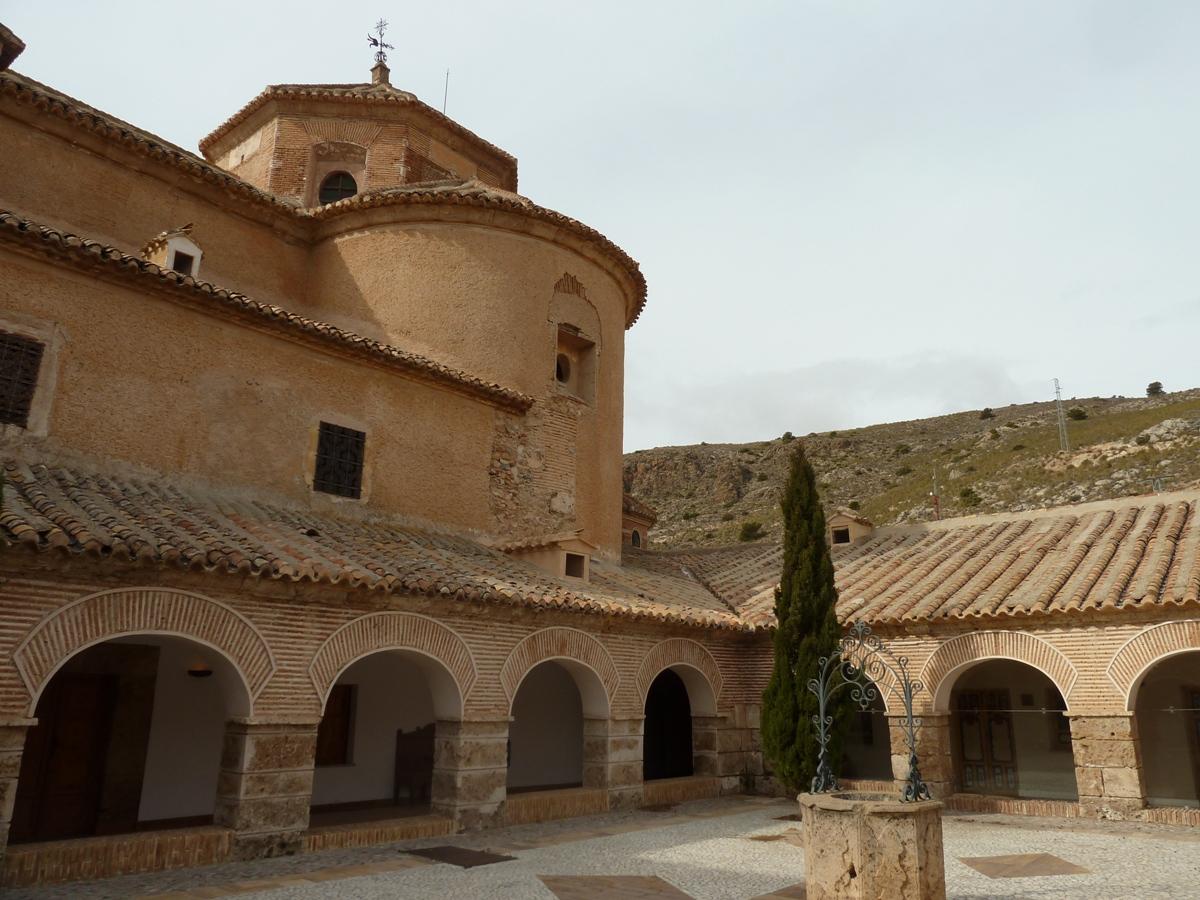 Claustro del monasterio del Saliente © Fotografía M. Navarro